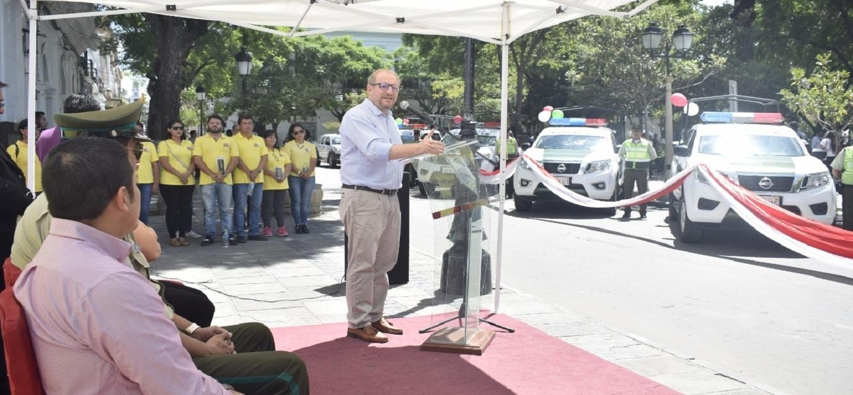 La Gobernación entrega equipamiento y camionetas para fortalecer el trabajo de la Policía en Tarija
